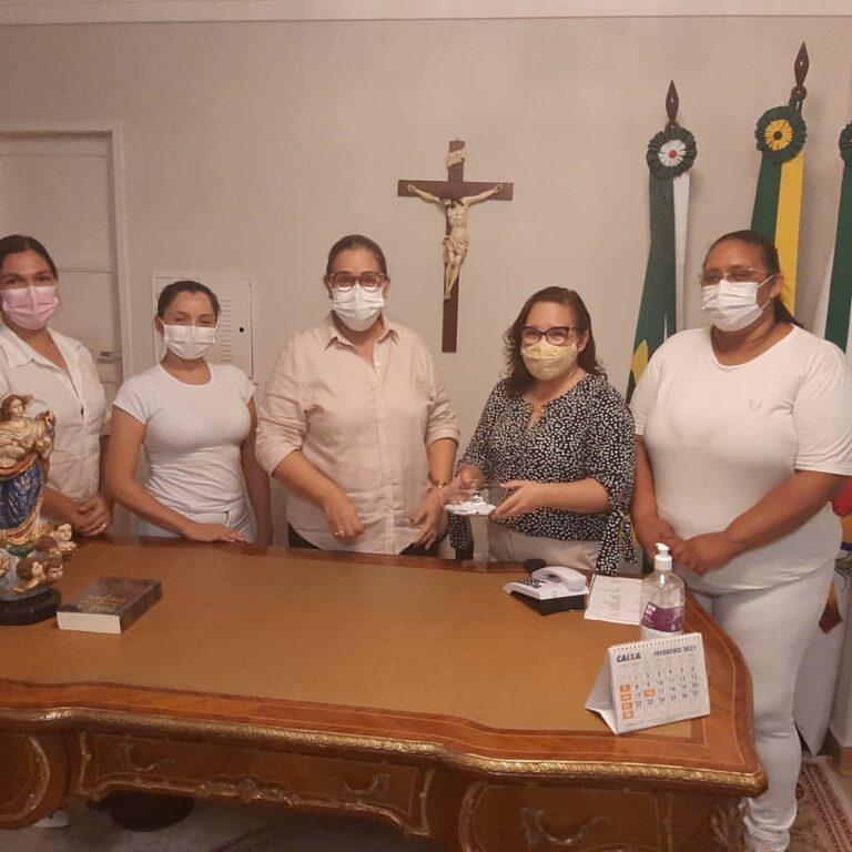 Read more about the article Sorteio para saber quem será o primeiro profissional da saúde do município que receberá a vacina COVID-19