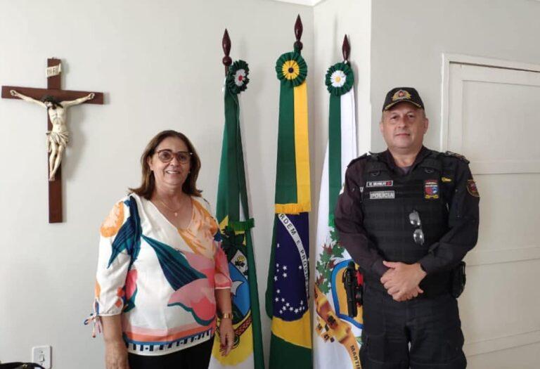 Prefeita Mazé recebe Comandante do Batalhão da Polícia Militar, Coronel Nitoildo.