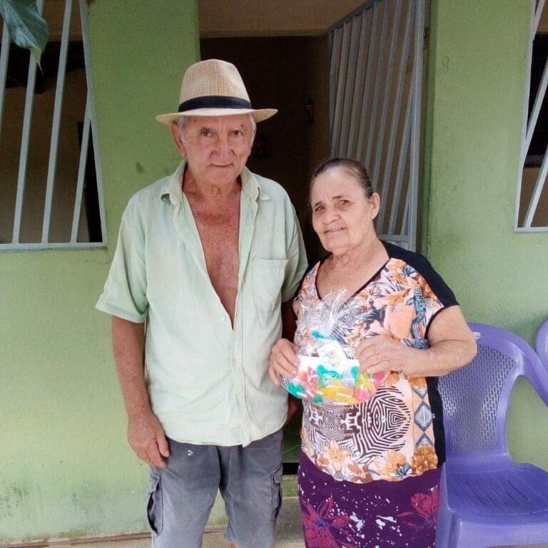 Participantes contemplados com brindes no Serviço de Convivência
