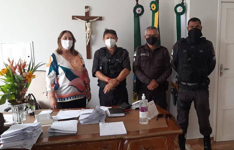 A Prefeita de Martins, Mazé, recebeu o Subtenente José Gentil de Melo da Silva