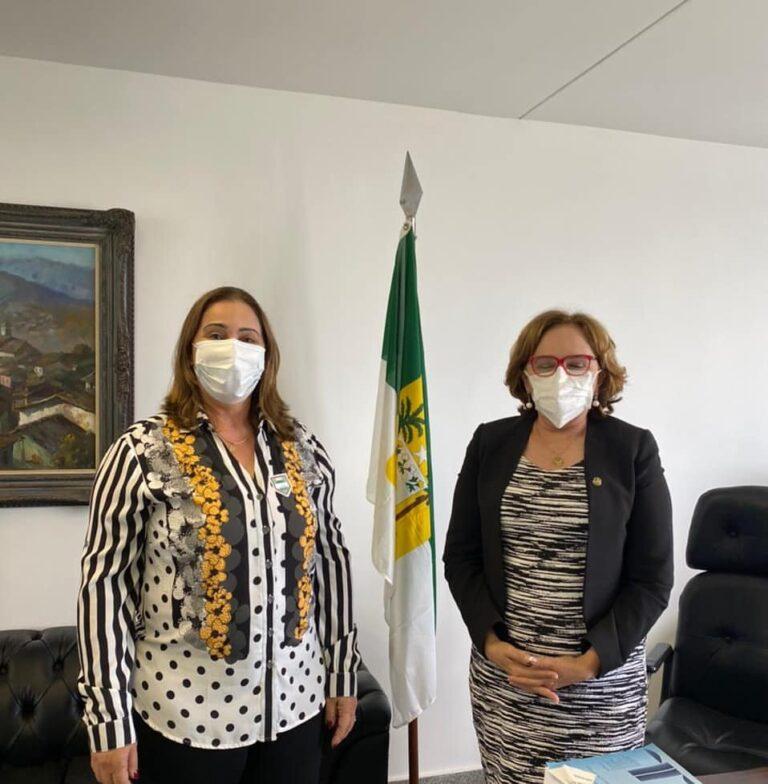 Read more about the article Prefeita é recepcionada pela Senadora Zenaide do RN
