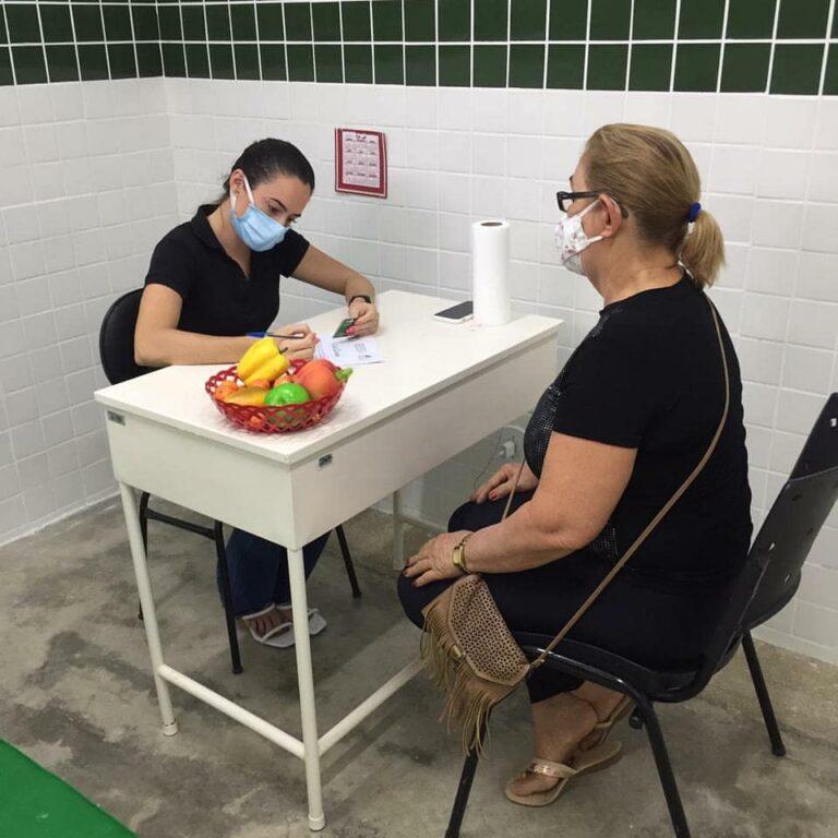 Atendimentos com nutricionista, fisioterapeuta, psicólogo, educador físico e fonoaudiólogo.