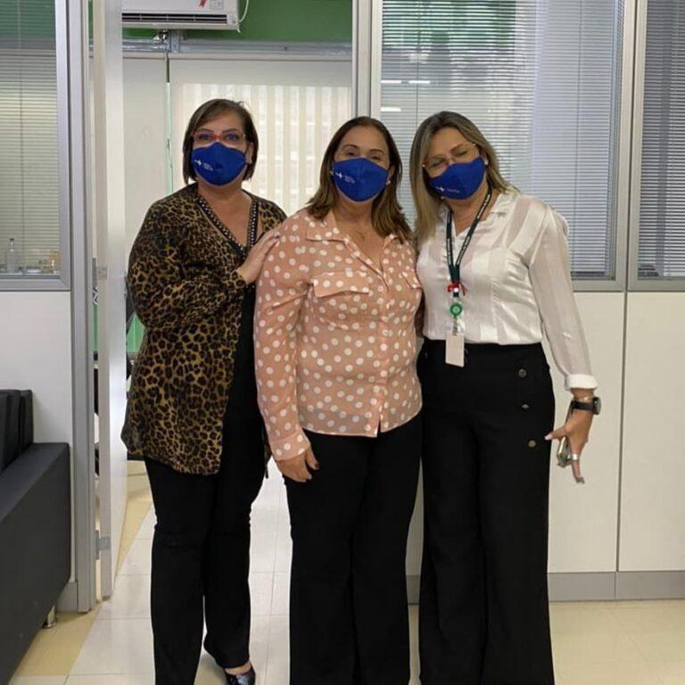 Read more about the article Prefeita, Mazé em seu último dia foi recebida pelas técnicas Silvia e Silvana, encarregadas do setor de ATENÇÃO PRIMÁRIA DA SAÚDE
