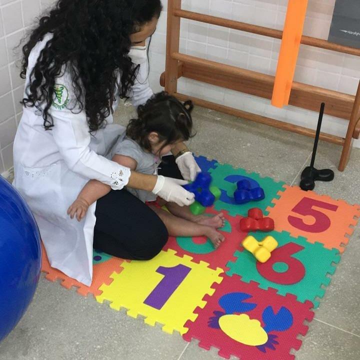 Trabalho de humanização e acolhimento aos pacientes portadores de deficiências físicas