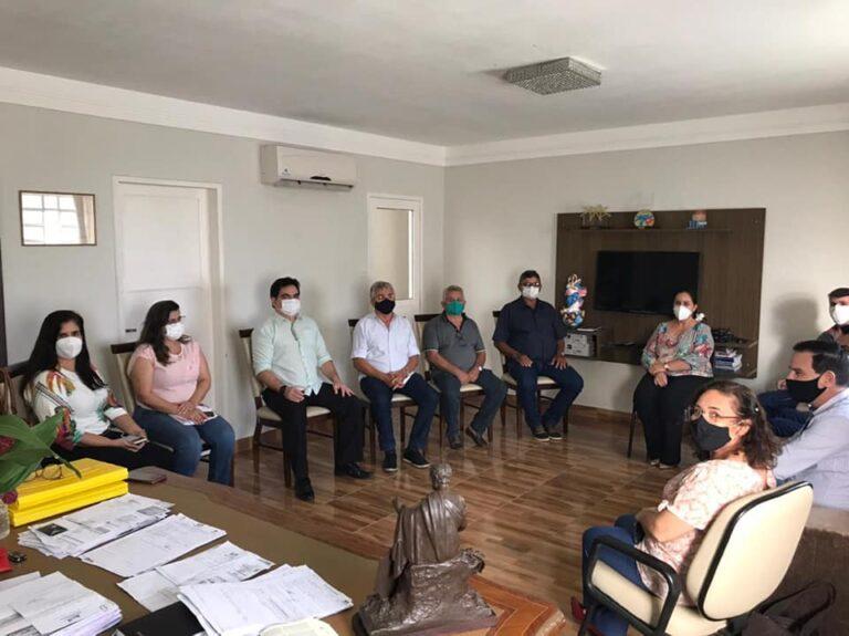 Prefeita Mazé faz reunião dos 100 dias de gestão com sua equipe